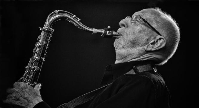 Saxophonist - Robert Farrow