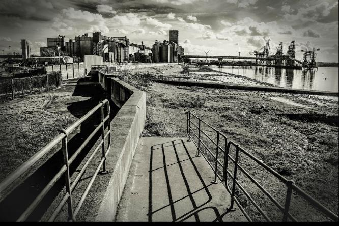 Thameside grain elevator - Clifford Sullivan