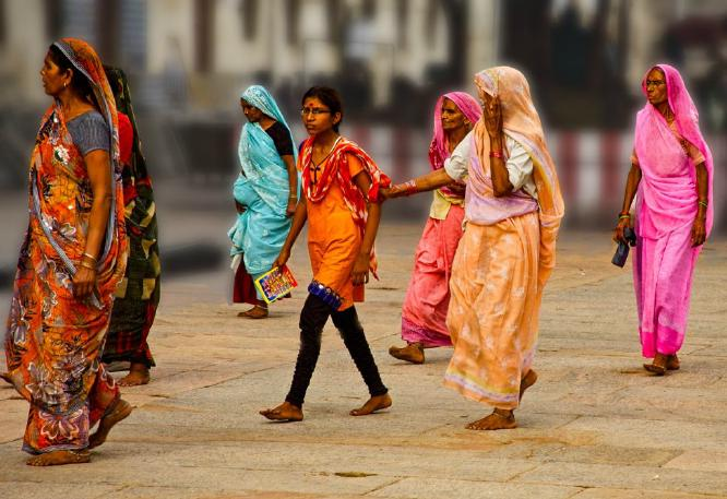 Six Saris in Madurai - Phil Brew