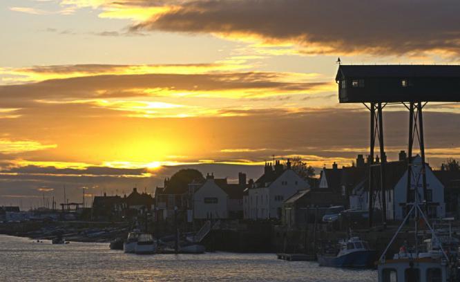 Sunrise at Wells next the sea - Steve Robinson
