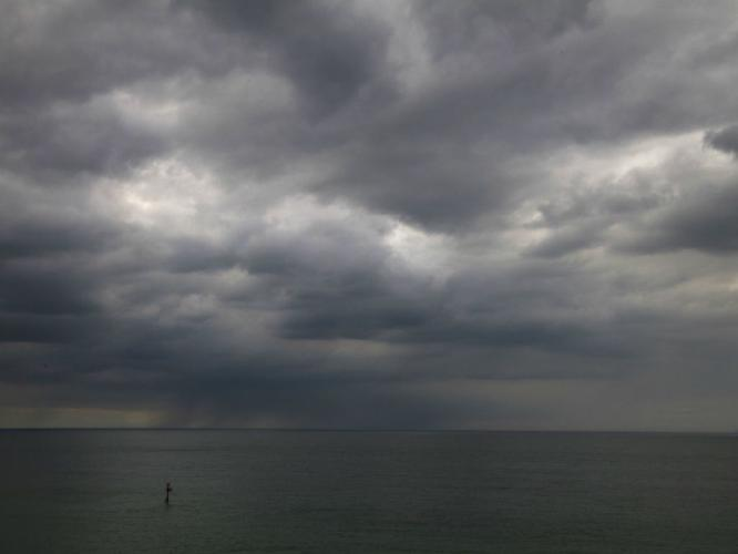 Distant Storm - Vic Hainsworth