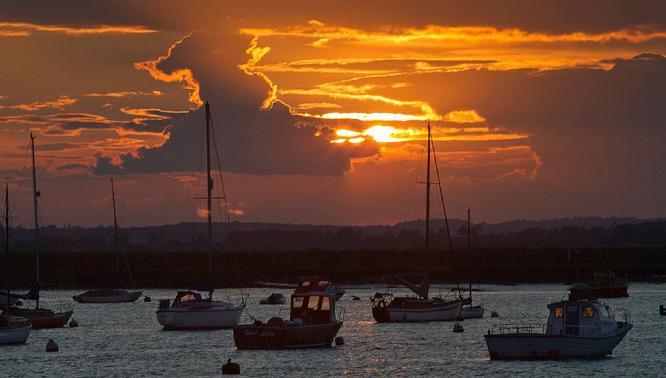 Great Britain Sunset - Vic Hainsworth