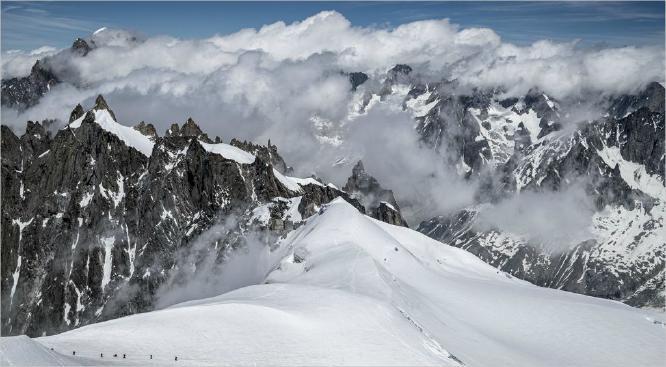Trekking on Mont Blanc - Vic Hainsworth